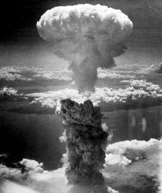 800px-NagasakibombAug945 NationalArchives